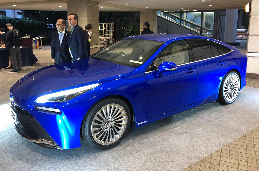 Toyota Mirai concept at Tokyo motor show - front