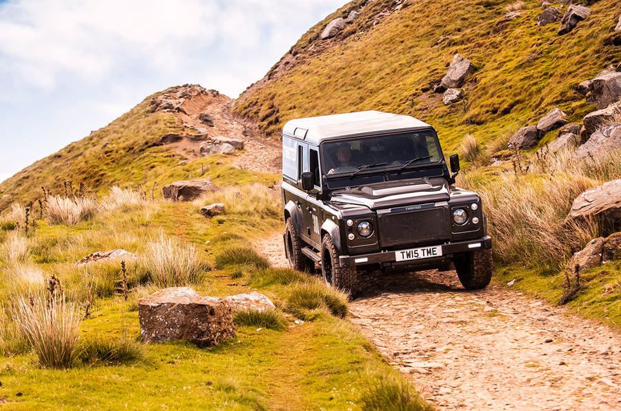 Twisted Defender V8 2018 UK first drive review - rocks