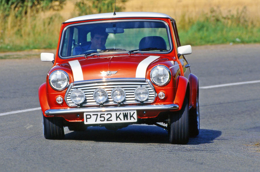 Rover Mini Cooper cornering