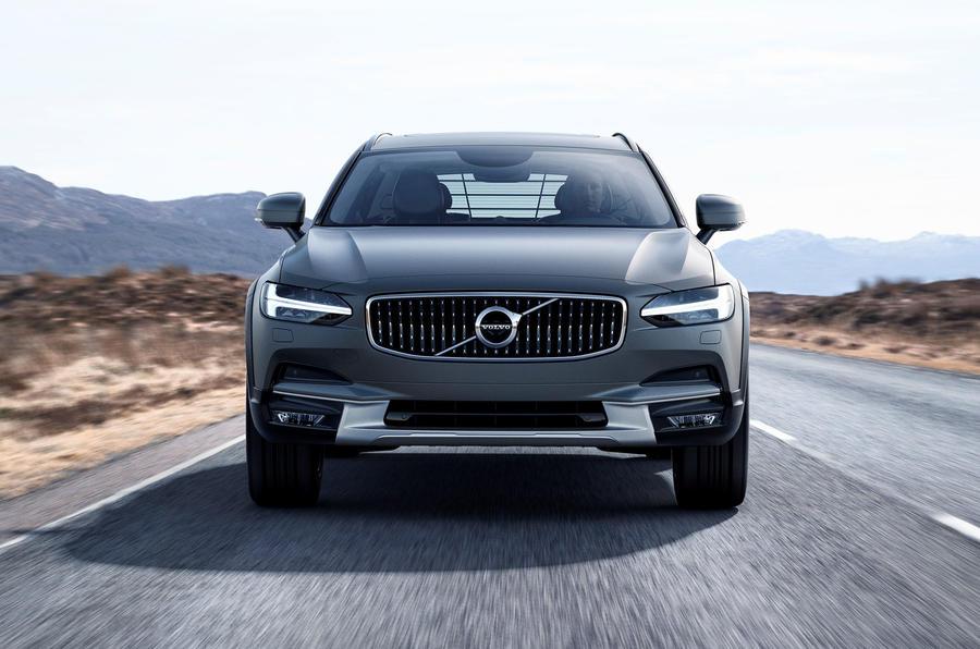Volvo V90 Cross Country revealed in Sweden