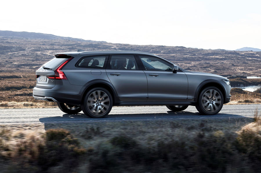 Volvo V90 Cross Country revealed in Sweden