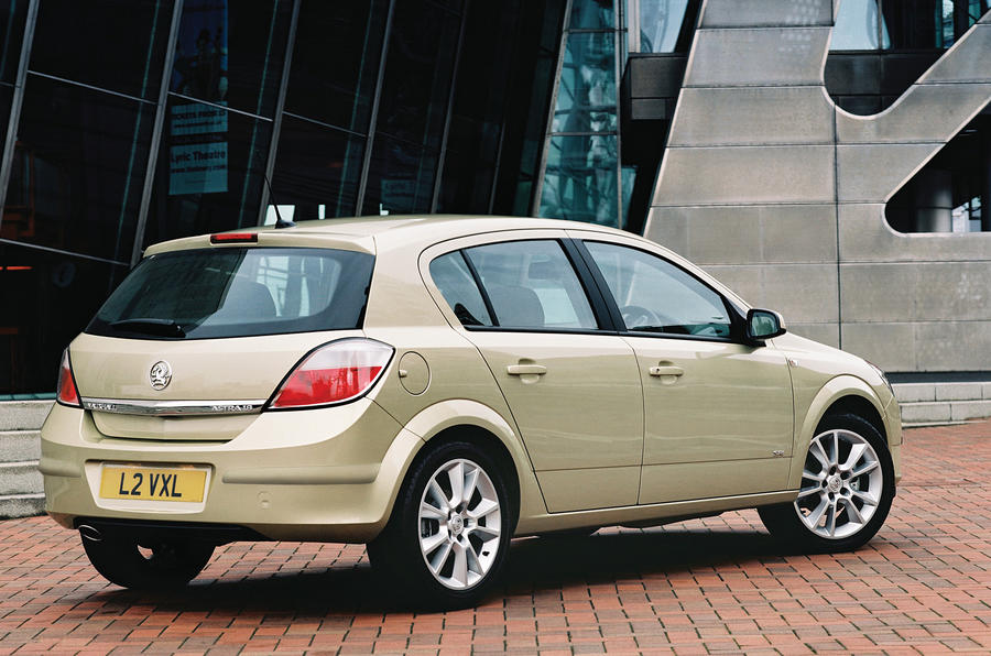 Vauxhall Astra SRi rear quarter