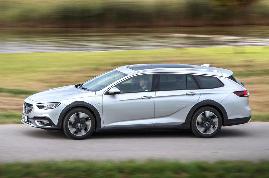 Vauxhall Insignia Country Tourer side profile