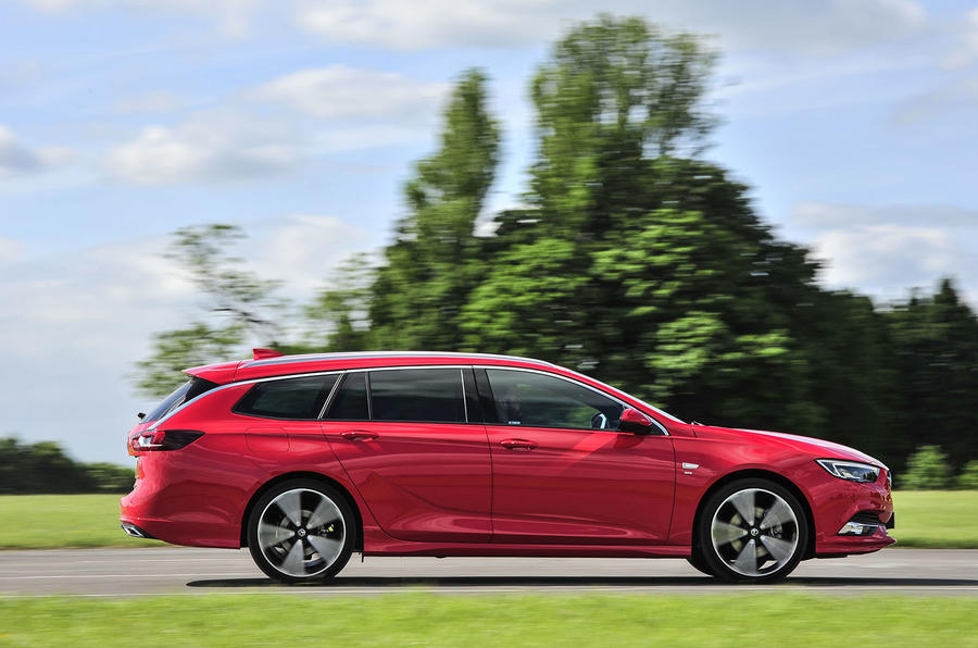 Vauxhall Insignia Sports Tourer side profile
