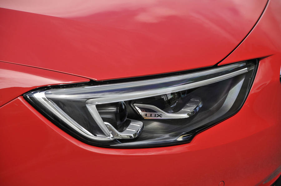 Vauxhall Insignia Sports Tourer LED headlight