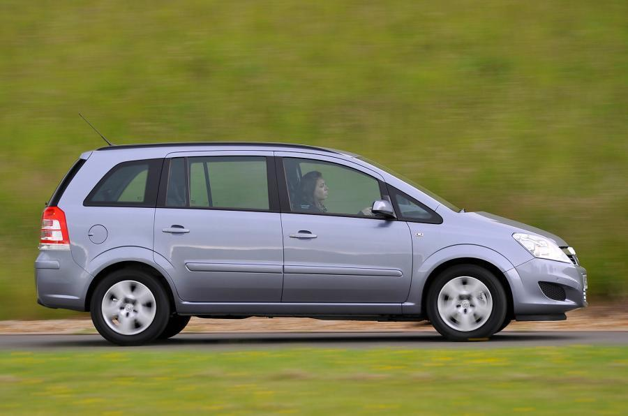 Government questions Vauxhall over Zafira fire issue