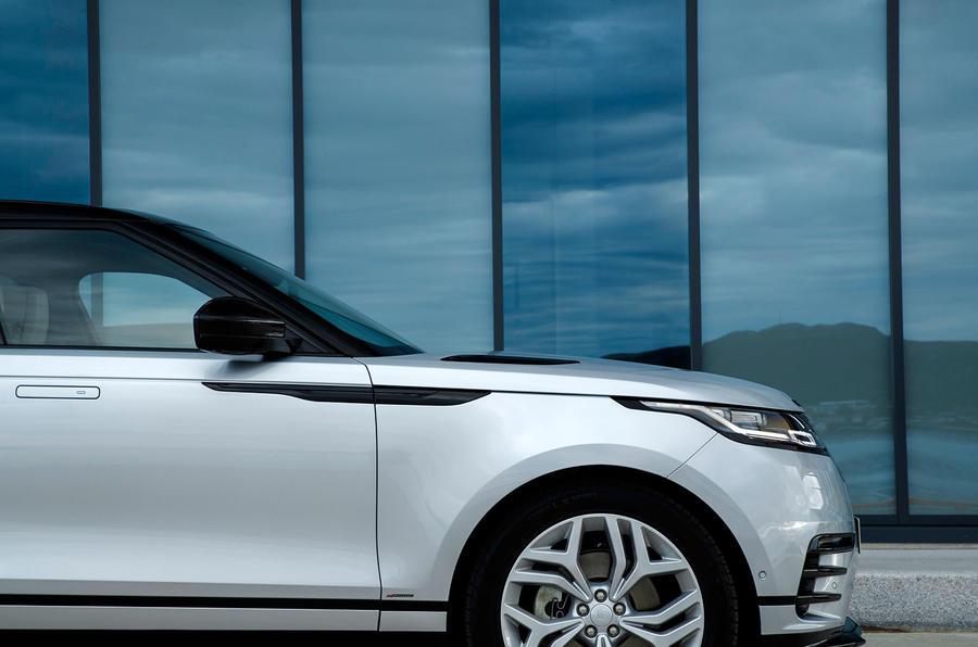 Range Rover Velar side vents