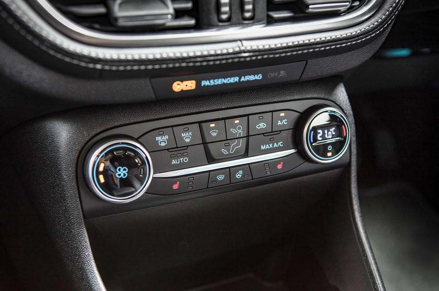 Ford Fiesta Vignale climate controls