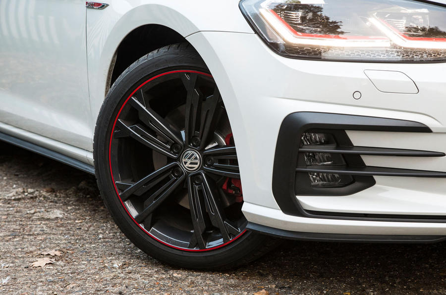 Volkswagen Golf GTI vs Hyundai i30n golf alloys