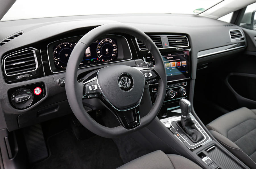 Volkswagen Golf MHEV dashboard