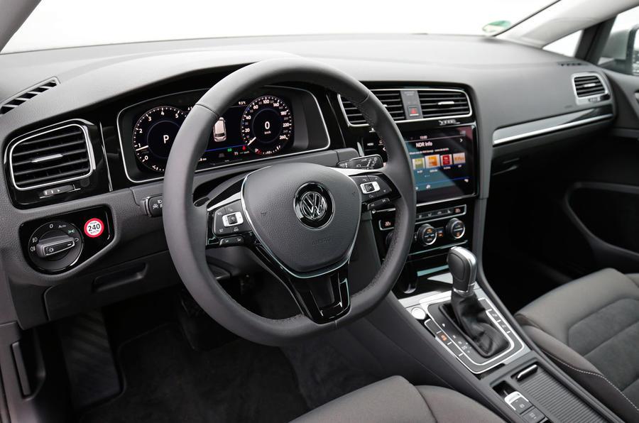 Volkswagen Golf MHEV dashboard