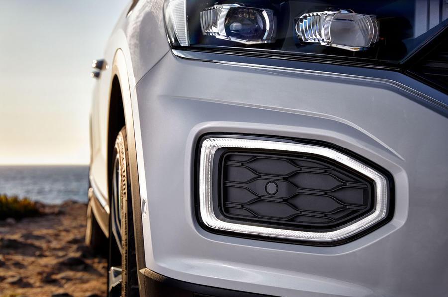 Volkswagen T-Roc front parking sensor