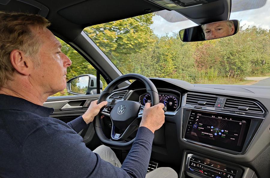 Volkswagen Tiguan R 2020 : premier bilan de conduite - Greg Kable au volant