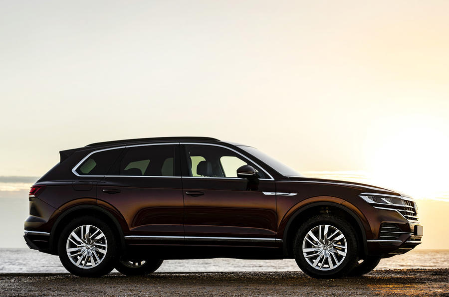 VW Touareg V6 petrol front