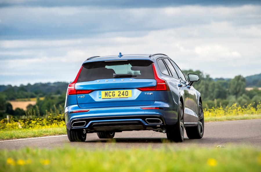 Volvo V60 T8 TwinEngine 2019 UK first drive review - on the road rear