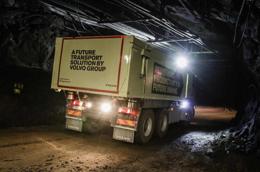 Car Transport Reviews >> Volvo tests self-driving truck in an underground mine ...