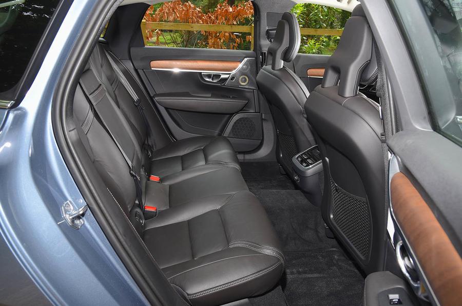 Volvo S90 rear seats