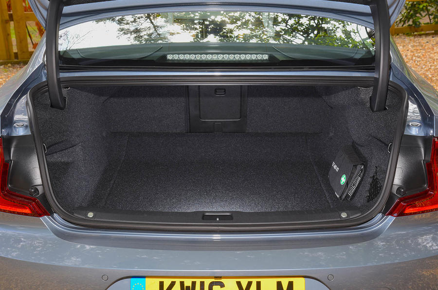 Volvo S90 boot space