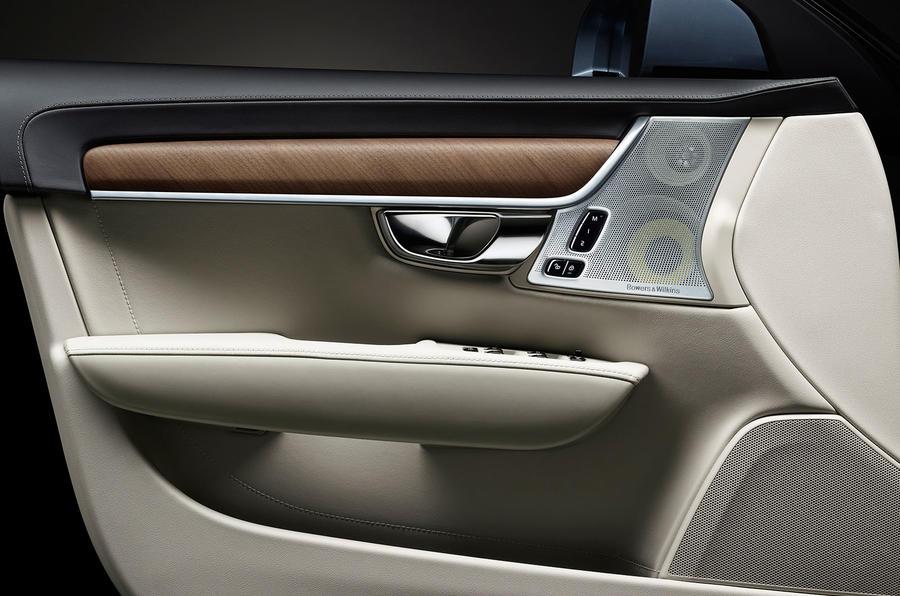 Volvo S90 interior door