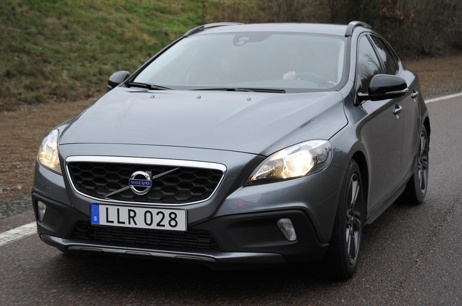 Volvo V40 Cross Country three-cylinder prototype
