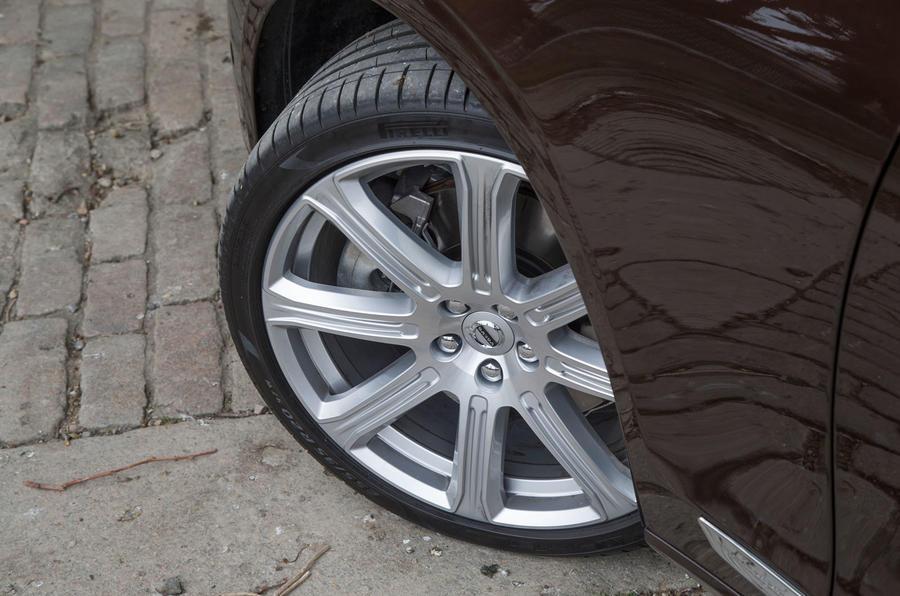 20in Volvo V90 alloy wheels