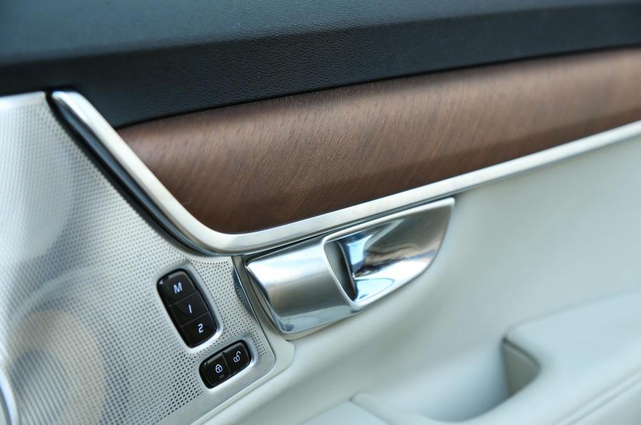 Volvo V90 chrome door handle