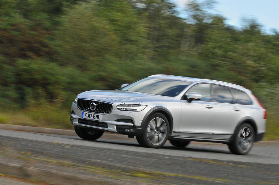 3.5 star Volvo V90 Cross Country