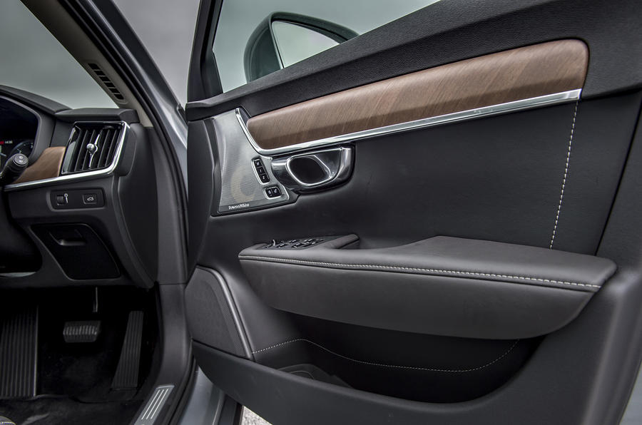 Volvo V90 door cards