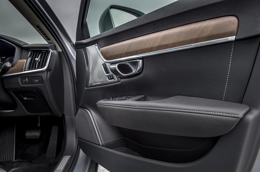 Volvo V90 door cards