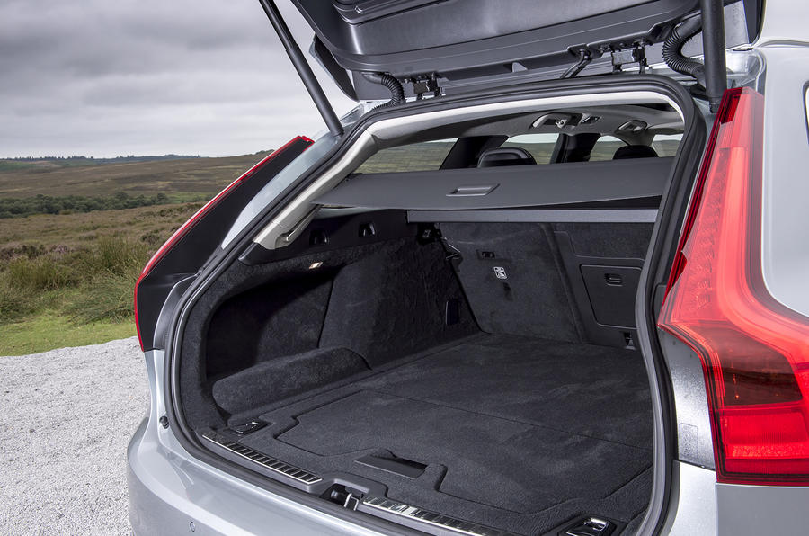 Volvo V90 boot space