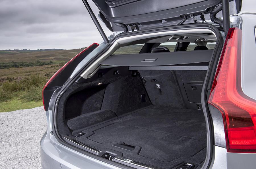 Volvo V90 boot space