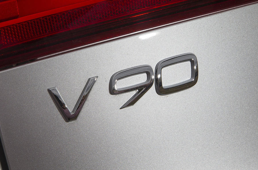 Volvo V90 badge
