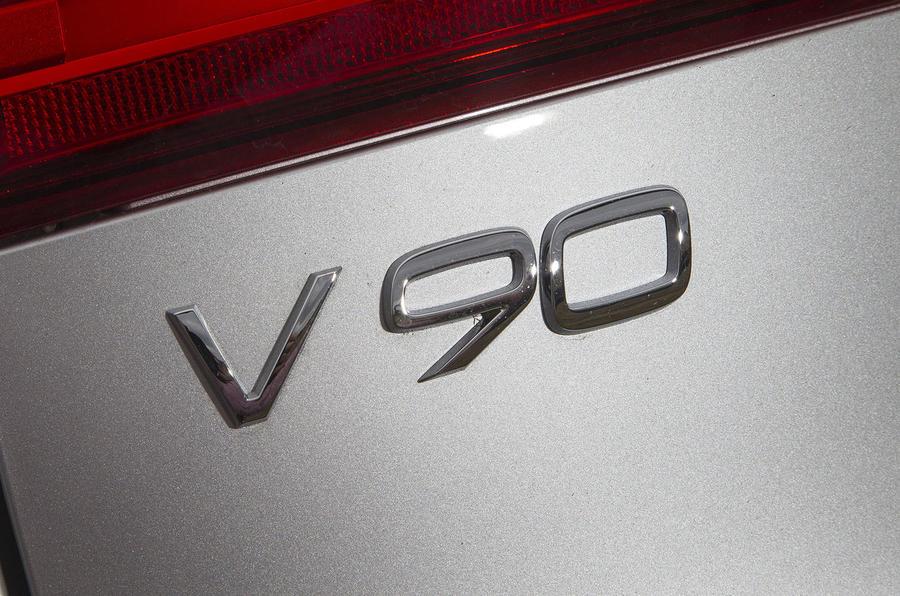 Volvo V90 badge