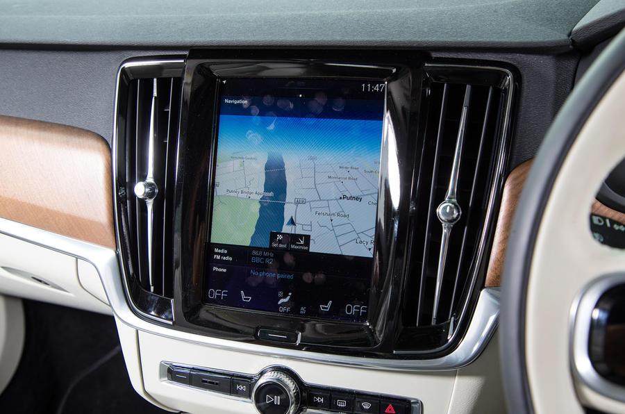 Volvo V90 sat nav screen