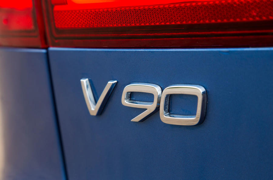 Volvo V90 T8 badging