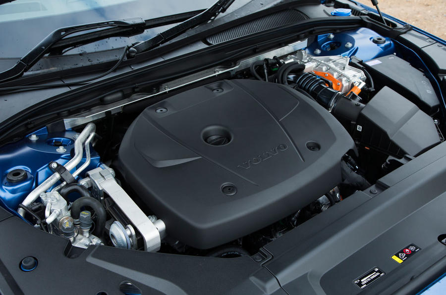 Volvo V90 T8 engine bay