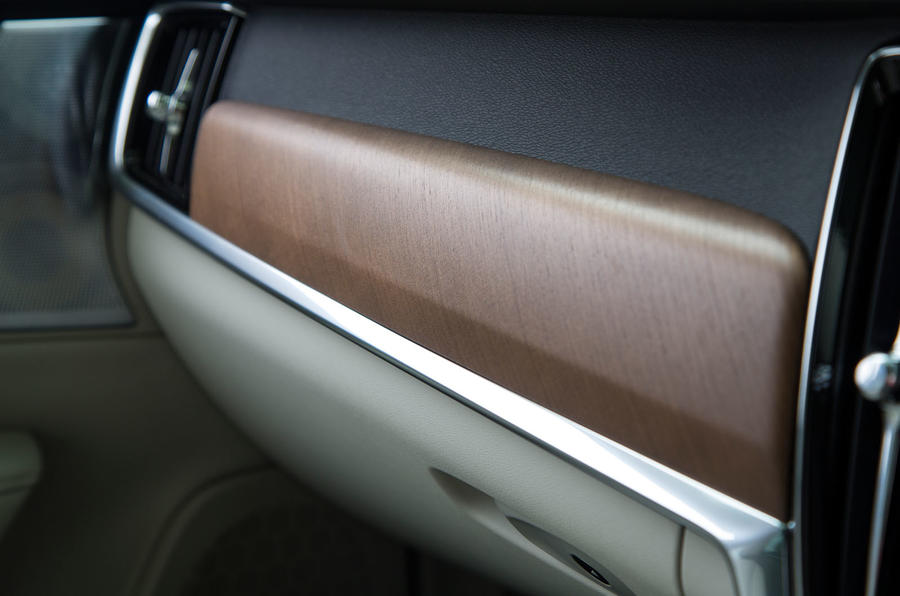 Volvo V90 wood trim