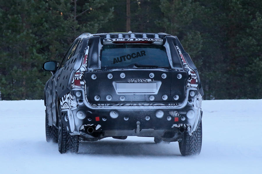 2017 Volvo XC60 spotted winter testing
