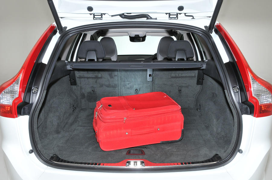 Volvo XC60 D4 boot space