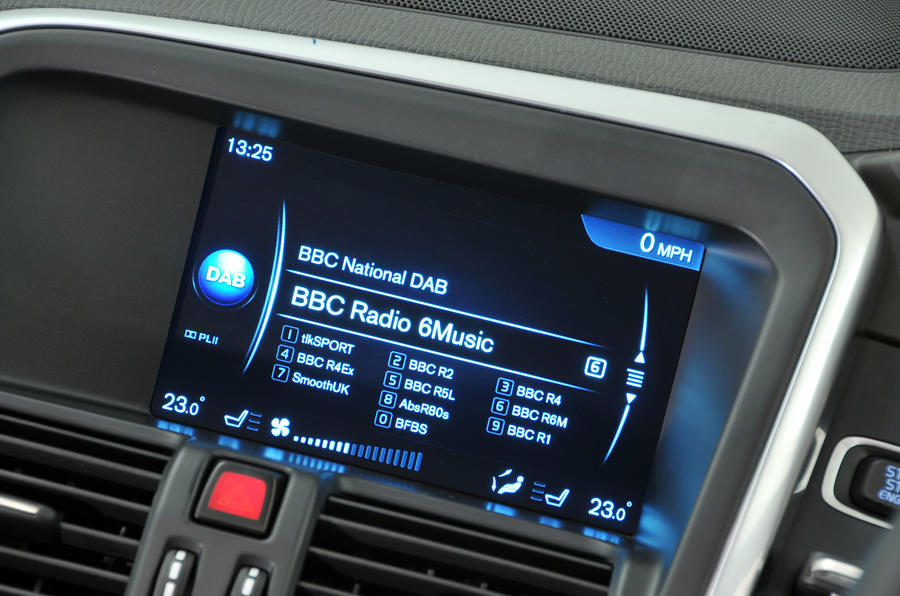 Volvo XC60 D4 infotainment system