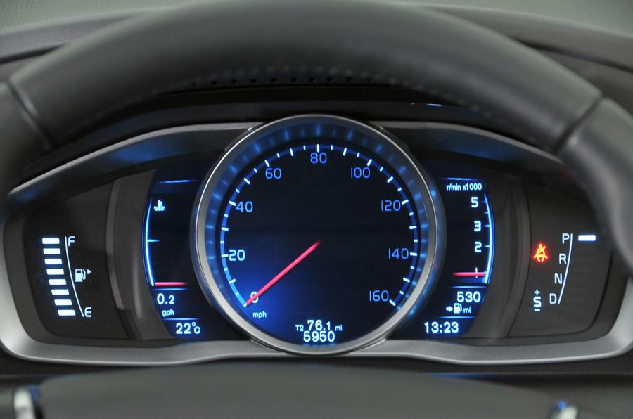 Volvo XC60 D4 instrument cluster