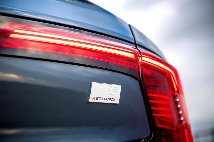 Insigne de la Volvo S90 T8