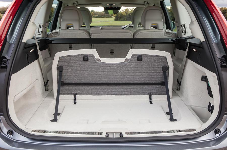 Volvo XC90 boot seperator
