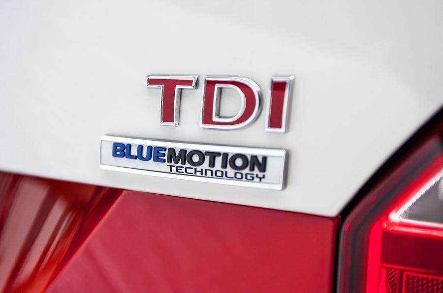 Volkswagen Caravelle TDI badging