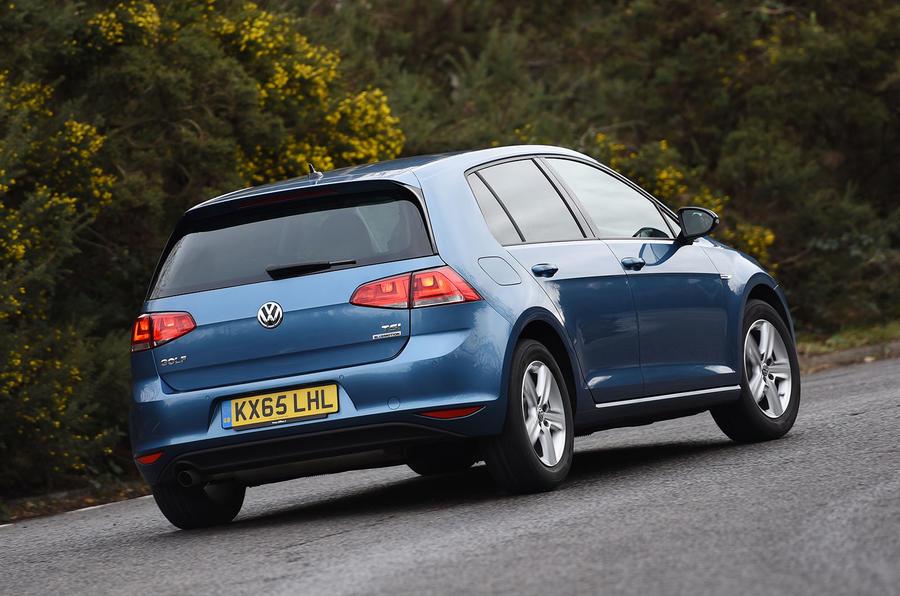 Volkswagen Golf Bluemotion rear cornering