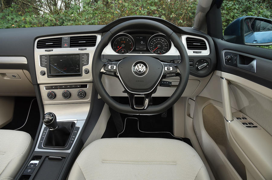 Volkswagen Golf Bluemotion dashboard