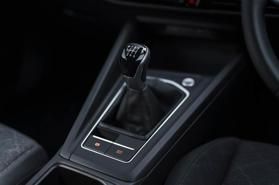 2020 Volkswagen Golf TSI 130 Life - gearstick