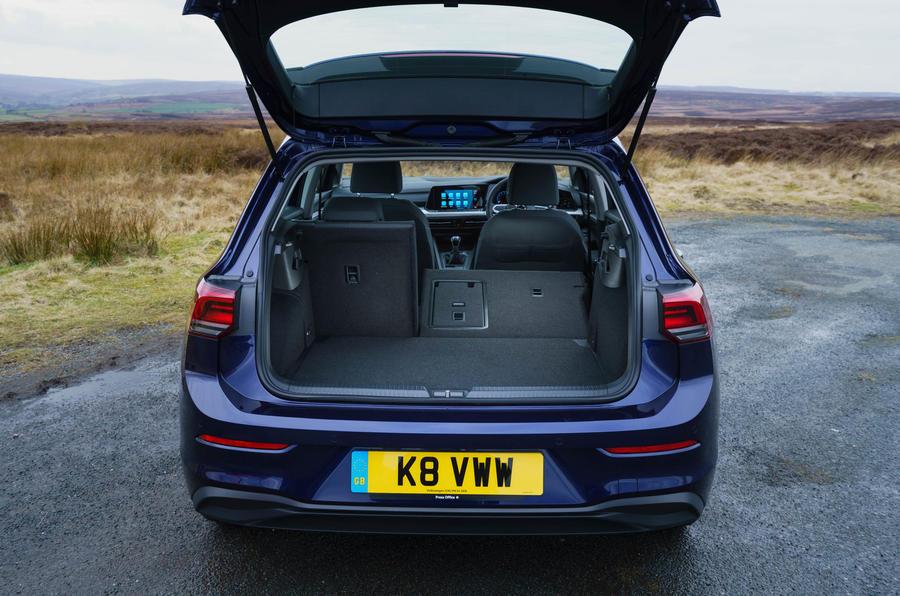 2020 Volkswagen Golf TSI 130 Life - boot open