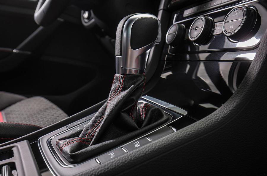 Volkswagen Golf GTI Performance DSG gearbox