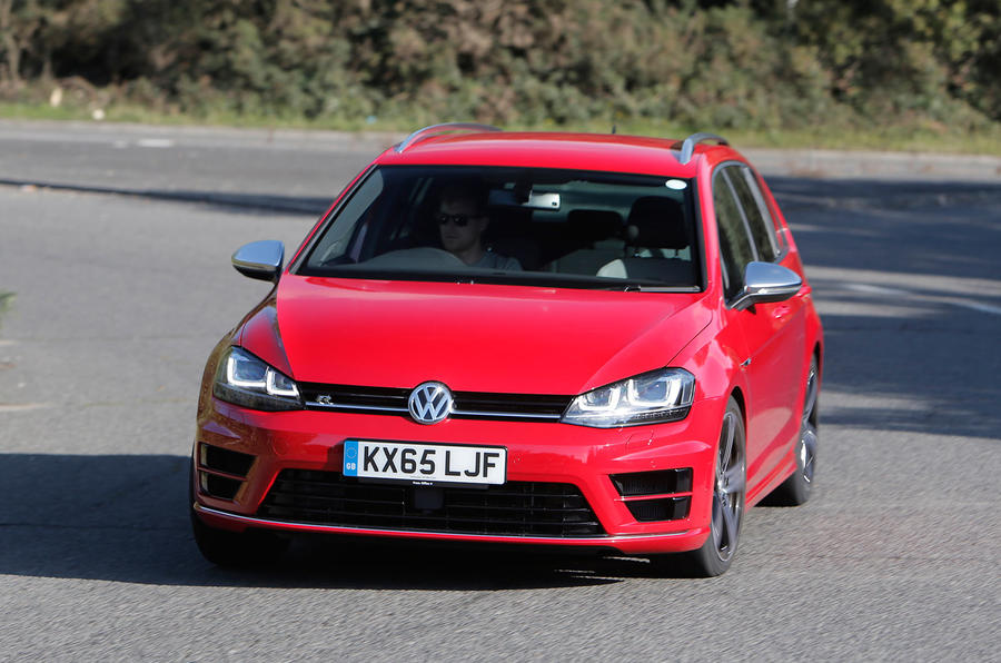 Volkswagen Golf R Estate cornering